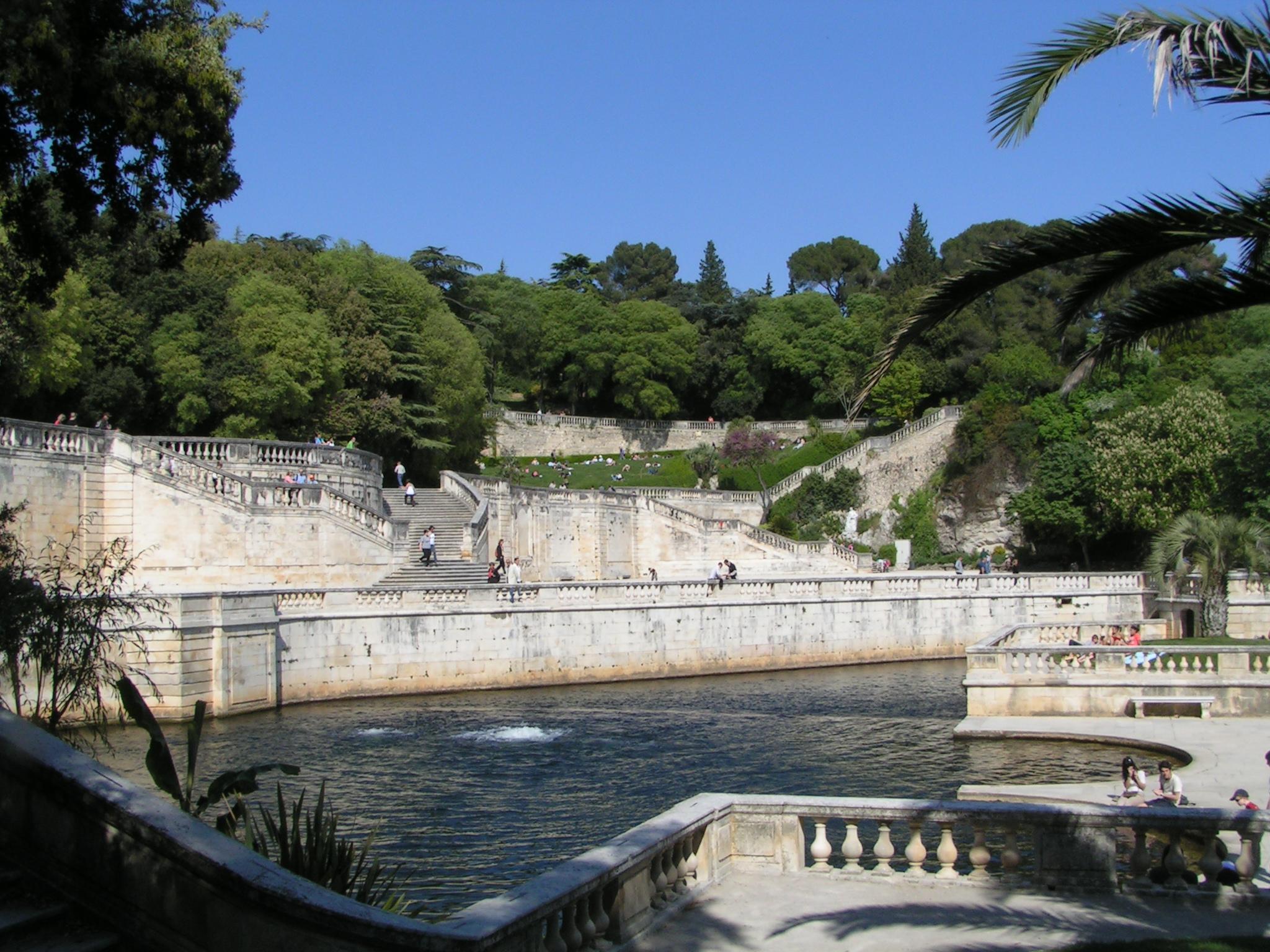 N mes ville historique 2 2 for Le jardin zen nimes