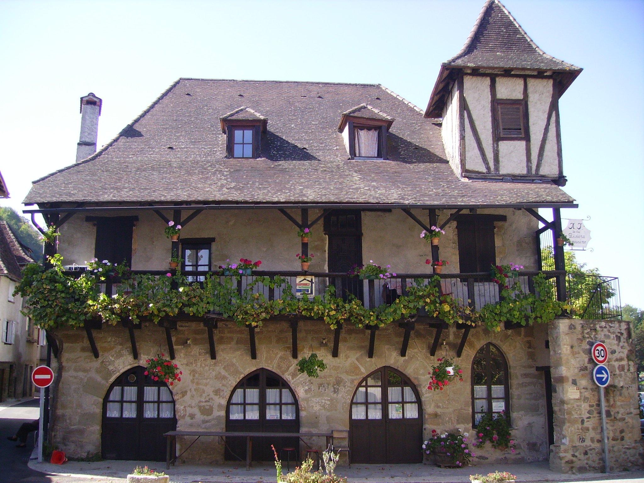 Beaulieu sur dordogne for Auberge de jeunesse la maison